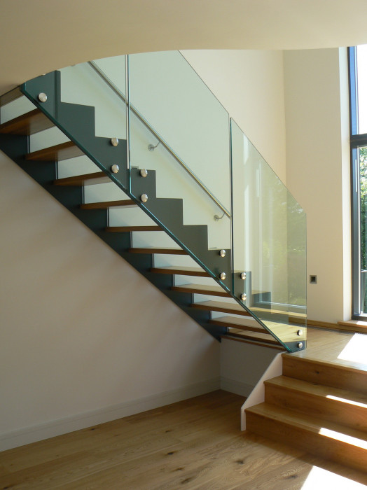 construction of wooden stairs glass steel   construction   c ng ty cp